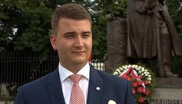"""23-08-2016 17:54 """"Czołem, panie ministrze"""" - tak żołnierze powitali rzecznika MON"""