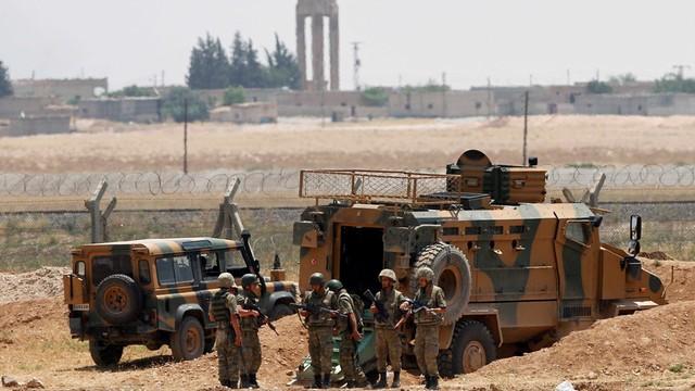 Syria: Kurdowie okrążyli dżihadystów niedaleko granicy z Turcją