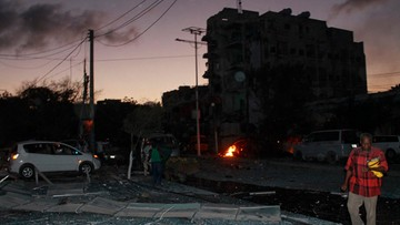 02-06-2016 05:19 Zamach na hotel w Mogadiszu. Posłowie wśród ofiar