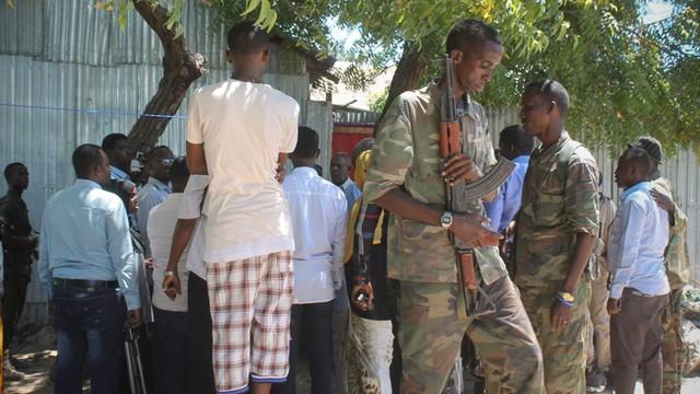 Somalia: co najmniej 12 ofiar ataku Al-Szabab na hotel