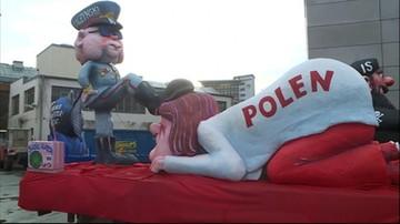 13-03-2016 18:11 Dusseldorf: kontrowersyjna figura Kaczyńskiego przejechała przez miasto w pochodzie
