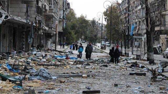 Syria: pierwszy konwój z rannymi wyruszył z Aleppo