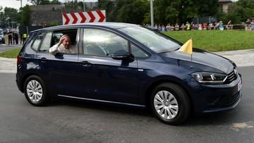 31-07-2016 07:43 Wylicytuj golfa papieża Franciszka. Papieski volkswagen idzie pod młotek