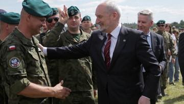 27-05-2017 16:42 Macierewicz do weteranów: jesteście solą polskiej armii