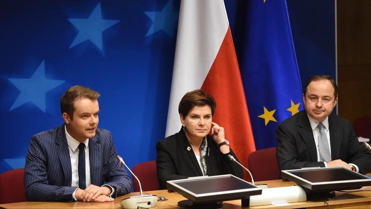 """""""Zgodziliśmy się, że trzeba uspokoić sytuację"""". Premier spotkała się z prezydentem Francji"""