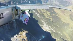 Wskoczyli do lecącego samolotu - to się nazywa sport ekstremalny