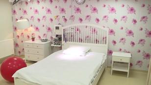 Poród po celebrycku - prywatne kliniki i lęk przed publiczną służbą zdrowia