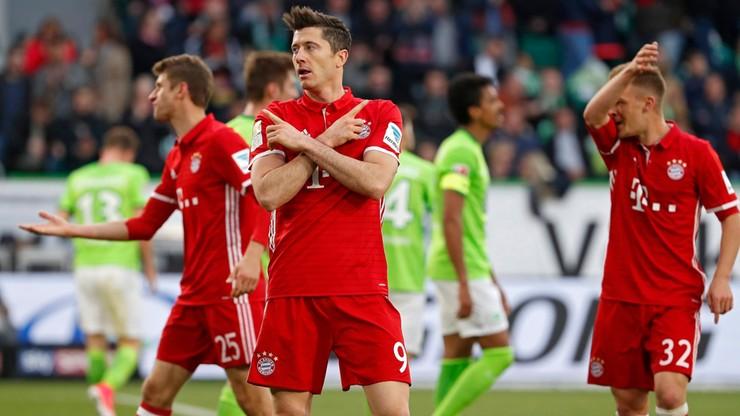 """Bayern mistrzem Niemiec po raz piąty z rzędu. Dwa gole """"Lewego"""" z Wolfsburgiem"""