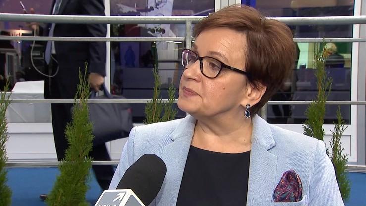 Zalewska: za opóźnienia w zaopatrywaniu szkół w podręczniki odpowiadają dyrektorzy