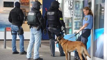07-08-2016 13:32 Niemcy: uzbrojony mężczyzna zabarykadował się w restauracji. Został zatrzymany