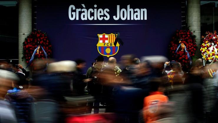 Barcelona uczciła na stadionie pamięć Cruyffa