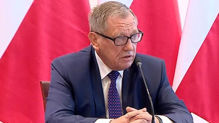 Dochodzenie ws. skóry rysia w posiadłości ministra Jana Szyszki