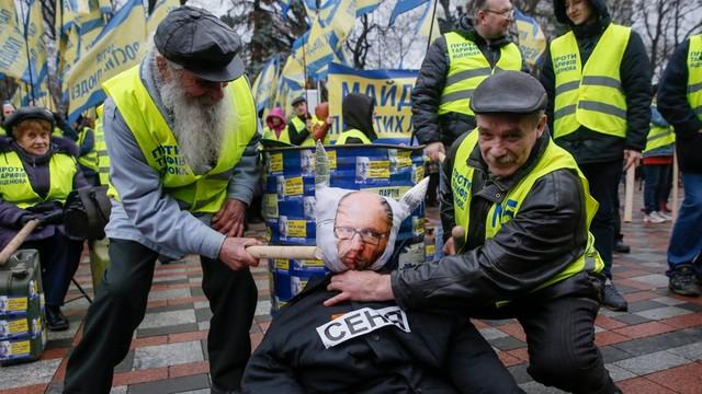 Ukraina: Posłowie zbierają podpisy pod wnioskiem o wotum nieufności dla premiera