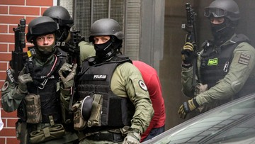 25-05-2016 13:35 Bomber z Wrocławia w prokuraturze. Grozi mu dożywocie