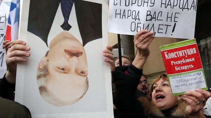 """""""Odejdź!"""" do Łukaszenki. Protesty i zatrzymania na Białorusi"""