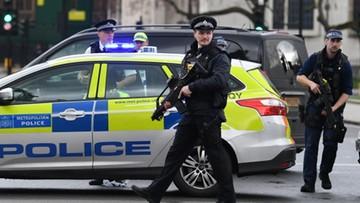 Londyn: ludzie taranowani autem. Później atak nożem i strzały
