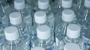 18-04-2016 22:01 2 tysiące Hiszpanów rozchorowało się po wypiciu wody butelkowanej