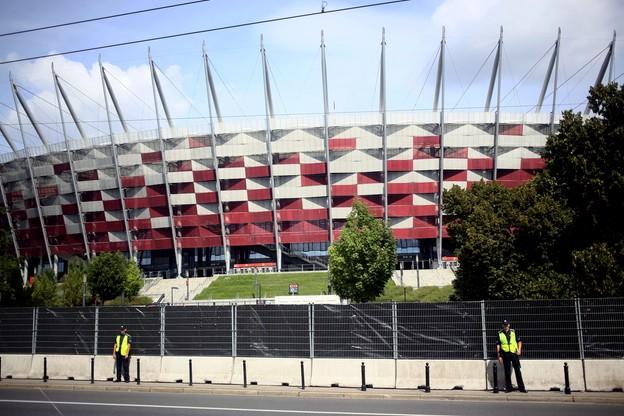 Pierwszy dzień szczytu NATO w Warszawie. Zamknięte ulice w centrum, autobusy na objazdach