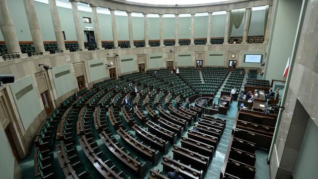 Błaszczak: jeśli opozycja nie opuści sali posiedzeń Sejmu, obrady będą w Sali Kolumnowej