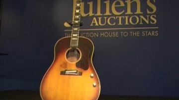 08-11-2015 07:50 Prawie 2,5 mln dolarów za gitarę Lennona. To absolutny rekord