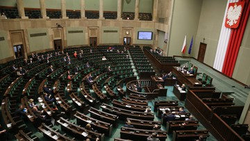 17-12-2015 13:05 Upolitycznienie czy naprawa. W Sejmie o kontrowersyjnej noweli PiS ustawy o służbie cywilnej