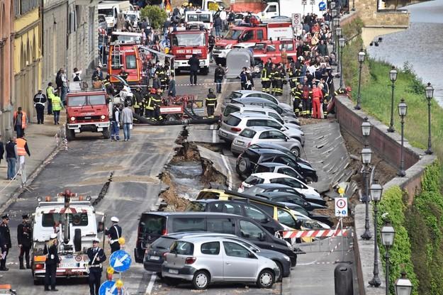 Florencja: ogromna rozpadlina w centrum. Zagrożone zabytki