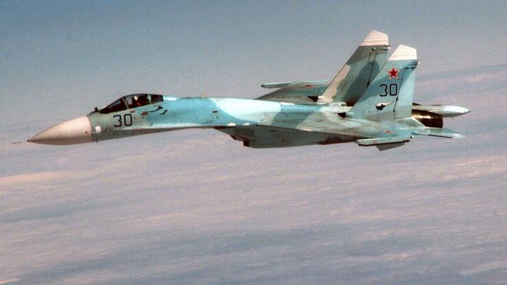 Rosyjski myśliwiec wykręcił beczkę nad amerykańskim samolotem - kolejny incydent nad Bałtykiem