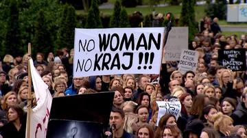 04-11-2016 16:56 Burmistrz Wadowic wspierał protestujące kobiety. Zdaniem prokuratury nie przekroczył uprawnień