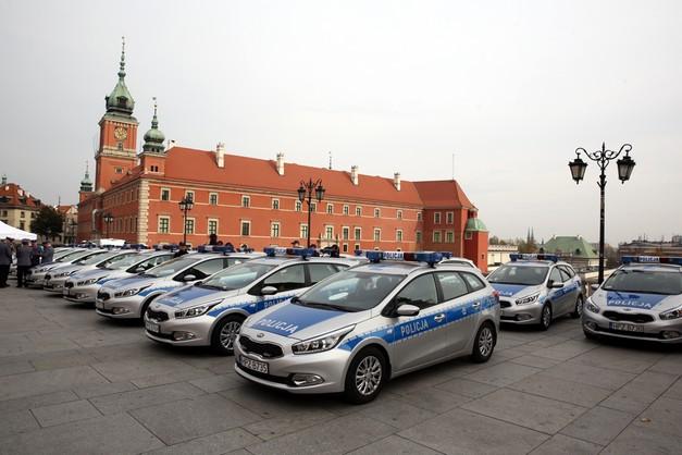 Stołeczna policja ma nowe auta