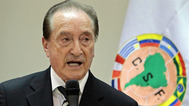 Afera FIFA: Aresztowany działacz trafi do Urugwaju, a nie do USA