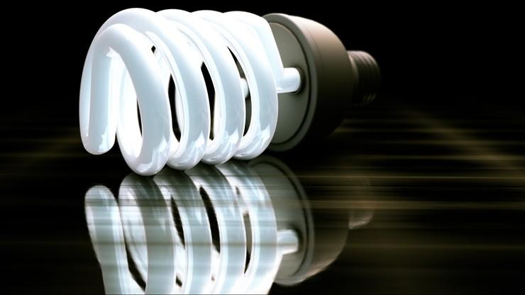 Producenci żarówek oszukują w sprawie ich wydajności. Wykorzystują luki w prawie