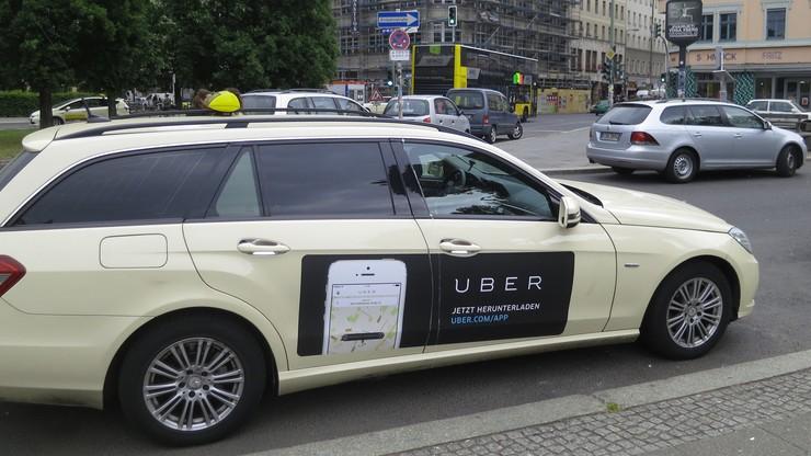 Uber ujawnia władzom dane klientów i kierowców