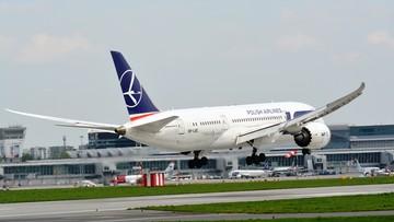 06-08-2017 14:16 Polacy uziemieni w Kanadzie. Dreamliner LOT-u uszkodzony. Inna maszyna zahaczyła o skrzydło