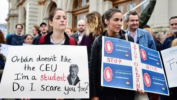 11-04-2017 09:32 Uczelnia Sorosa zapowiada kroki prawne przeciw ustawie o szkolnictwie wyższym na Węgrzech