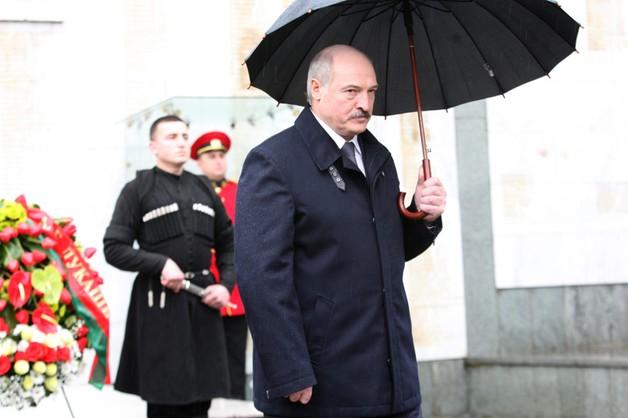Łukaszenka - Rosjanie nadal braćmi Białorusinów