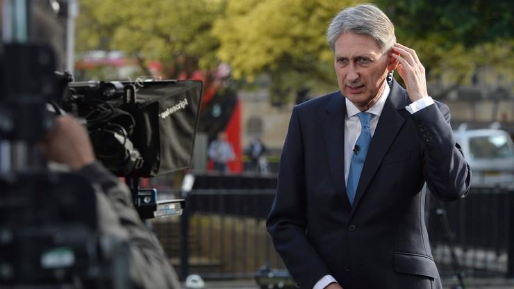 Wielka Brytania: rząd pozostanie u władzy do mianowania nowego premiera