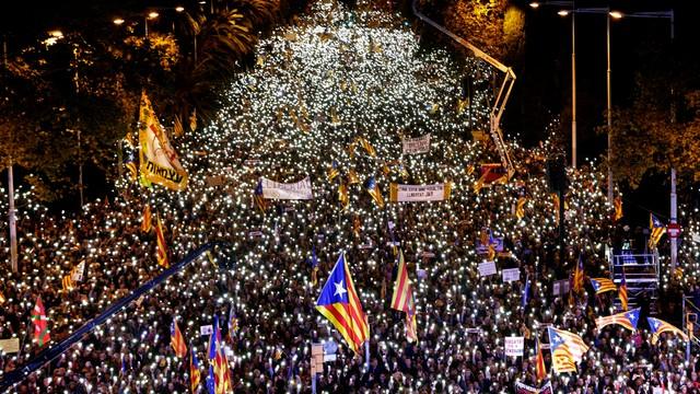750 tysięcy ludzi na ulicach Barcelony. Chcieli uwolnienia katalońskich polityków