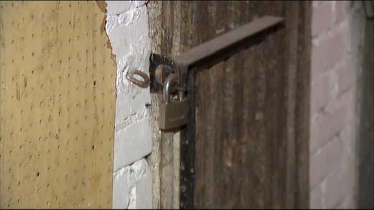 Uwolniono 14-latkę więzioną w piwnicy w Suwałkach