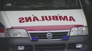 16-06-2017 12:07 Czołowe zderzenie z ambulansem. Pięć osób rannych, w tym dziecko