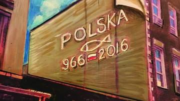 18-04-2016 06:32 Nowojorski mural upamiętnia 1050. rocznicę chrztu Polski