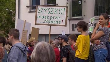 """""""Szyszko masz prze... rąbane"""" - to aktywiści. A leśnicy murem za ministrem"""