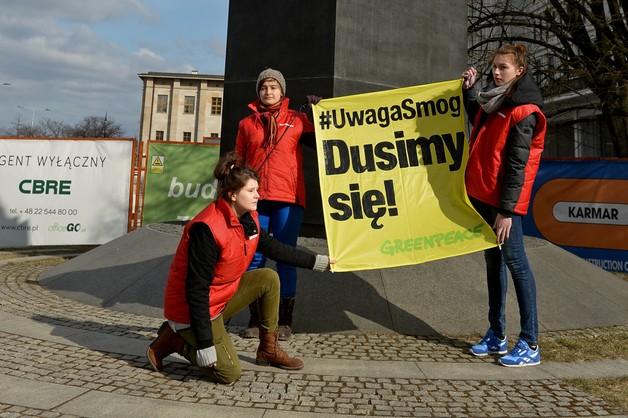 Greenpeace: Polacy duszą się od smogu