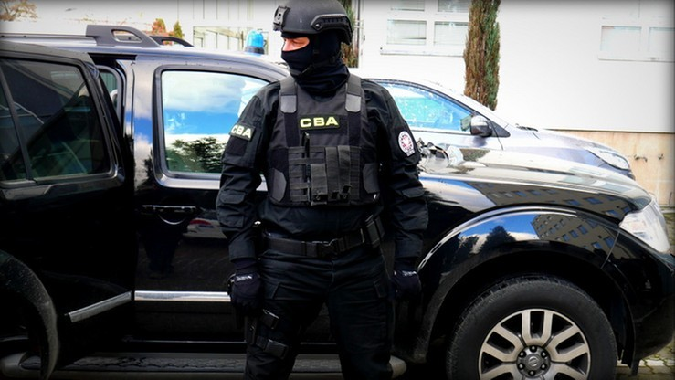 Pięć osób, w tym były poseł PSL, zatrzymanych przez CBA ws. przejęcia gruntów