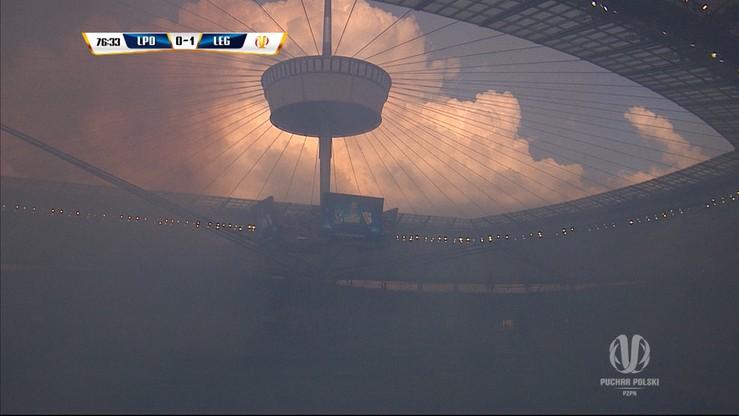 Finał w cieniu skandalu? Dym na Stadionie Narodowym