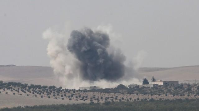 Turecka armia: 65 bojowników IS zabitych na północy Syrii
