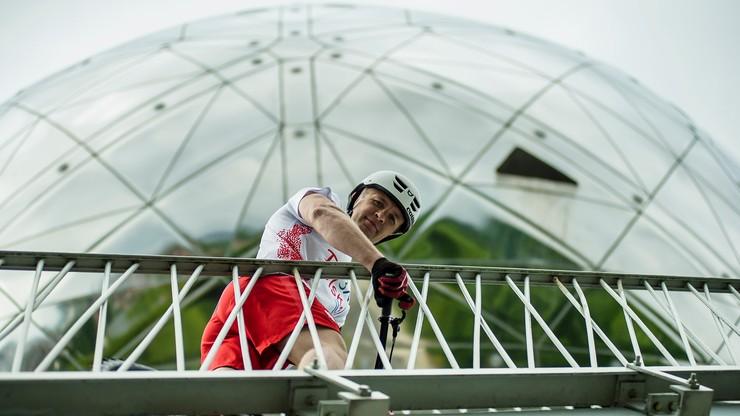 Rowerowy rekord Guinnessa Polaka w brukselskim Atomium