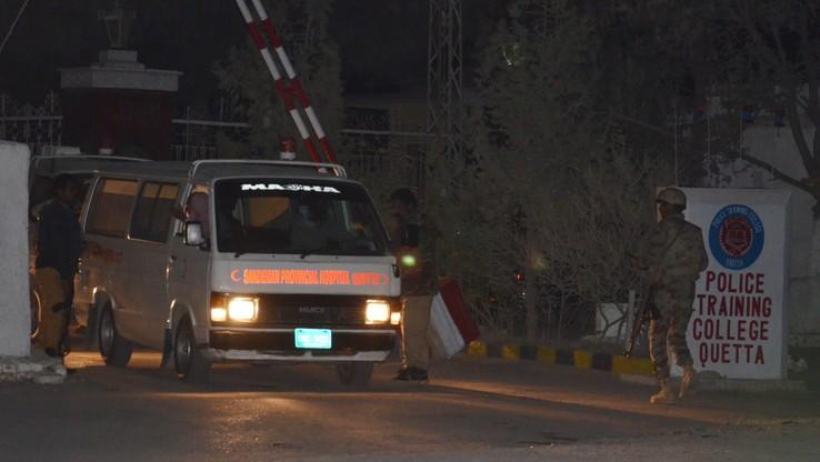 IS przyznaje się do ataku na szkołę policyjną w Pakistanie. Zginęło 59 kadetów; 100 rannych