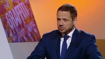 To człowiek, który ośmiesza Polskę. Trzaskowski o Macierewiczu