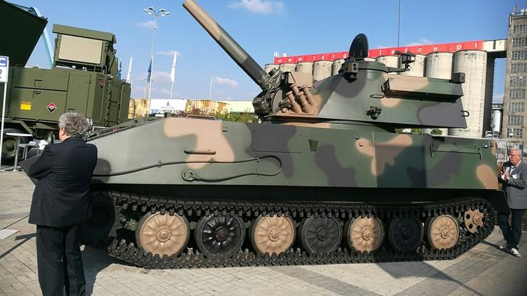 2016-09-08 Prezentacja sprzętu wojskowego na Międzynarodowym Salonie Przemysłu Obronnego