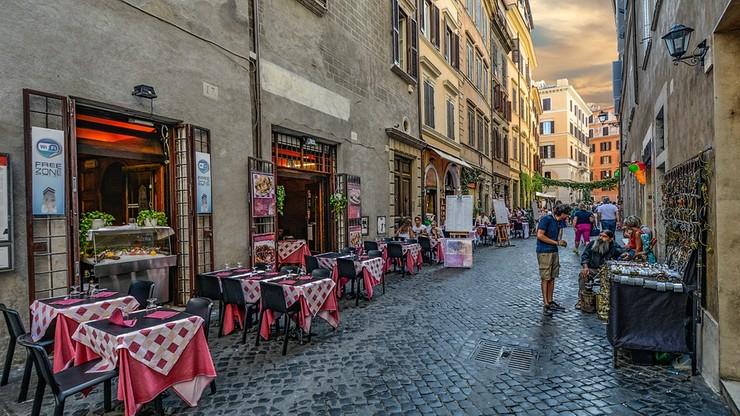 """""""Personel w stu procentach włoski"""". Restaurator oskarżany o rasizm po kontrowersyjnym ogłoszeniu"""
